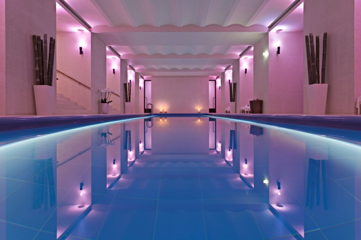 hotel-cafe-royal-akasha-swimming-pool2